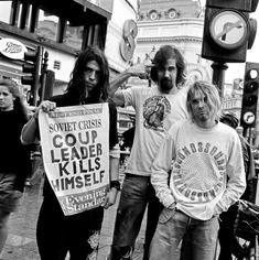 Nirvana Band, Nirvana Kurt Cobain, Band Pictures, Band Photos, Basel, Kurt Cobain Tattoo, Cortney Love, Grunge, Morrison Hotel