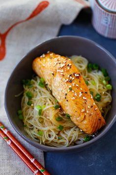 Salmon Teriyaki Noodles - moist and juicy salmon and rice noodles made with San-J Tamari. Healthy Food Recipes, Easy Delicious Recipes, Healthy Foods To Eat, Cooking Recipes, Yummy Food, Salmon Recipes, Fish Recipes, Seafood Recipes, Asian Recipes