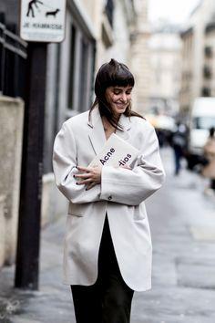 Paris Couture Fashion Week Street Style Spring 2018. #parisfashionweeks,