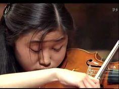 Shoji Sayaka Plays Tchaikovsky 4/4 : Violin Concerto