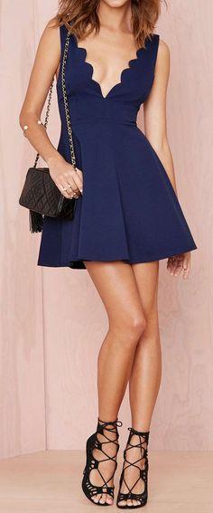 cute scalloped dress & sexy lace-up heels!!