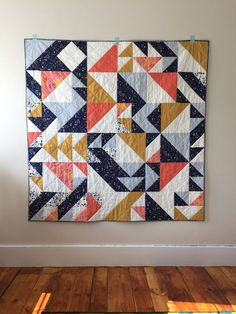 custom half-square triangle quilt inspired by Libs Elliott (code-generated quilts) by caitlin at Salty Oat: quilt studio and fabric shop: a Colchas Quilting, Quilting Projects, Sewing Projects, Quilting Ideas, Quilting Patterns, Machine Quilting, Quilt Studio, Half Square Triangle Quilts, Square Quilt