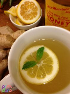 Fresh Ginger Tea is wonderful tea to have in the evening, after a spicy meal or in the morning to kick start the metabolism! This is the basic recipe. You can reduce ginger, add more honey or sugar to. Corn Recipes, Spicy Recipes, Tea Recipes, Cooking Recipes, Recipe For Fresh Ginger Tea, Ginger Honey Lemon, Ginger Drink, Leftovers Recipes