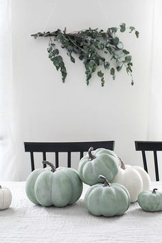 DIY Jade Pumpkins - Homey Oh My / halloween decor / halloween decorations / Fall Home Decor, Autumn Home, Home Decor Trends, Diy Home Decor, Decoration Christmas, Halloween Decorations, Decoration Bedroom, Wall Decor, Diy Pumpkin