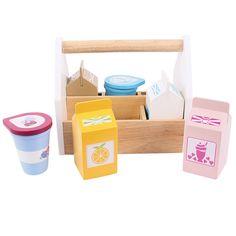 Het is tijd om te winkelen! Welke boodschappen ga jij allemaal kopen? In deze stevige houten kist kun je zes producten mee nemen. In deze set zitten een pak melk, een pak sinaasappelsap, aardbeiendrink, chocolademelk, een pot yoghurt en een beker crème. Leuk voor ...
