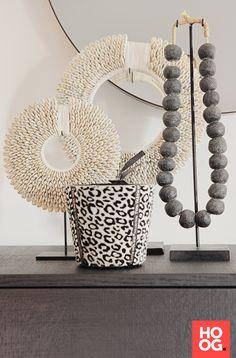 Ibiza, Tribal Decor, African Home Decor, Deco Boheme, Amazing Decor, Piece A Vivre, Room Accessories, Decoration Table, Minimalist Decor