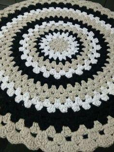 Cheap Carpet Runners For Stairs Scrap Crochet, Crochet Mat, Crochet Carpet, Crochet Dollies, Crochet Afgans, Crochet Home, Crochet Granny, Crochet Stitches, Crochet Collar Pattern
