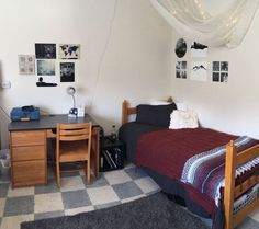 20 Essentials To Pick Up When Ping For A Guy S Dorm Room