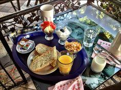 Breakfast with Brigitte Bardot on the boulevard!