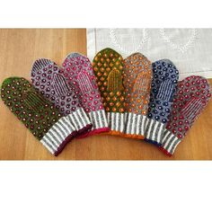 Knit Mittens, Mitten Gloves, Wrist Warmers, Knit Or Crochet, Free Pattern, Textiles, Ravelry, My Favorite Things, Sewing