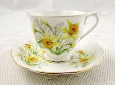 Vintage Royal Albert Tea Cup and Saucer, White with Daffodil Flowers, Friendship Series, Narcissus, English Bone China