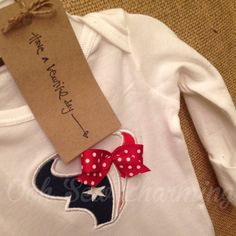 This listing is for 1 Houston Texans Onesie.    These can be made for boys and girls(with bow). Onesie Sizes available from Preemie-24 months.