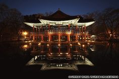 Kwanghan Pavilion (광한루) Kwanghan Pavilion is the setting of Chunhyangjeon, one of Korea's most famous folk tales.