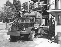 Flickr Search: autocar | Flickr - Photo Sharing! Mack Trucks, Old Trucks, Cement Mixer Truck, Photograph Video, Concrete Mixers, Cab Over, Heavy Truck, Bus, Vintage Trucks