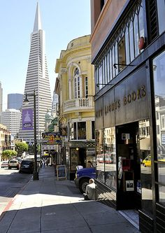 View of the Transamerican Pyramid bldg and the Vesuvio Bar looking down Columbus Ave. San Francisco City, San Francisco Travel, San Francisco California, Mount Whitney, Ireland Vacation, Ireland Travel, West Coast Trail, San Fransisco, Travel Usa