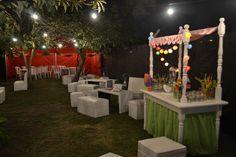 Barra de tragos cumple 30 Bartender, Ideas Para, Table Decorations, Birthday, Party, Home Decor, Wet Bars, Mobile Bar, Sunflowers