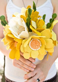 etsyfeaturedshop-munclefredart-feltbouquets-custombouquets-weddings-012