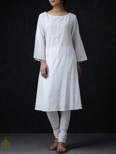 Buy White Chikankari Cotton Kurta by Jaypore Online at Jaypore.com