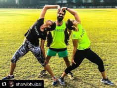 "What did you do this weekend?  #LoveYourSweat with @sharvibhujbal  Share your journey with us for a chance to win some awesome goodies. Hit the link in our bio for more info! ""We genuinely enjoy posing. In fact challenge us for absolutely any pose; we'll do it!"" #FitNut #Fitness #NRC"