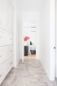 I get asked constantly about the flooring in my bathroom so today is the day! I'm on the blog sharing 5 beautiful herringbone wood floor alternatives