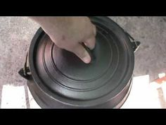 This is a how to video on a chicken potjie, this is not traditional food of South Africa, I know it looks Asian, but its not, its just my own . Oxtail, World Recipes, Creamy Chicken, Kos, Chicken Recipes, Good Food, Youtube, Ideas, Cream Chicken