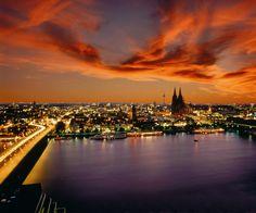 La ciudad de Colonia sobre el río Rin