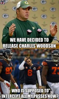 Packers Vs Bears packers all was wins but the bears NOPE!!! Ha ha ha!!!(: