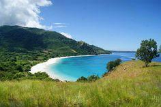 Alor adalah sebuah pulau yang terletak di ujung timur Kepulauan Nusa Tenggara. Luas wilayahnya 2.119 km persegi, dan titik tertinggiya 1.839 m. Jelajah alam baharo di Alor pasti tidak akan bikin bo…