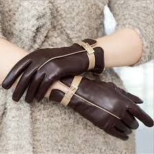 ladies brown leather gloves with beige trim & buckles...gorgeous!
