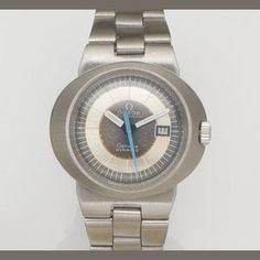 Omega. A lady's stainless steel automatic calendar bracelet watch Dynamic, Circa 1970 Estimate: £200 - 300 €260 - 390 US$ 310 - 470
