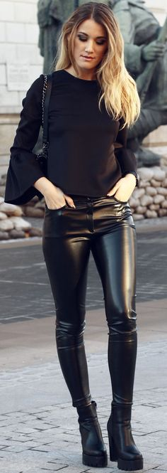 Nana's Fashion Black Contrast Fall Street Style Inspo