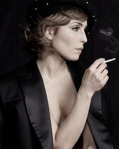 49 Hot Pictures Of Noomi Rapace Which Expose Her Curvy Body Noomi Rapace, Ola Rapace, Smoking Ladies, Girl Smoking, Lisbeth Salander, Women Smoking Cigarettes, Belle Epoque, Swedish Actresses, Good Looking Women