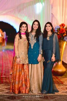 Punjabisuits Pakistani Fashion Party Wear, Pakistani Wedding Outfits, Pakistani Couture, Pakistani Wedding Dresses, Pakistani Dress Design, Stylish Dress Designs, Stylish Dresses, Fashion Dresses, Wedding Dresses For Girls