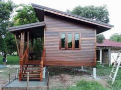 Take a look at this stylish photo - what an imaginative type Bamboo House Design, Wooden House Design, Minimal House Design, Small House Design, Small Wooden House, Rest House, Tiny House Cabin, Small House Plans, House In The Woods