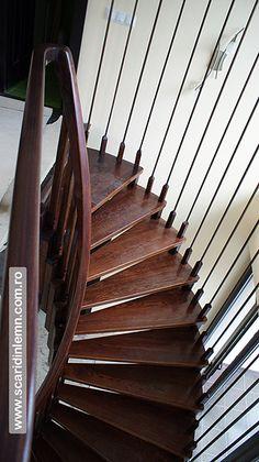 scari interioare din lemn pe vanguri cu trepte suspendate pe corzi Stairs, Home Decor, Stairway, Decoration Home, Room Decor, Staircases, Home Interior Design, Ladders, Home Decoration