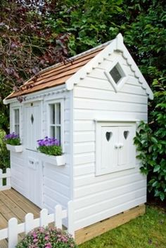 Playhouses... Tink would love this!   so would Fiona!!