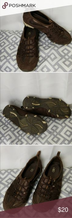 Cato slip on shoes Used light wear, see soles for wear and notice pic4 for the little wear and tear,  inside sole is great just the word cato is rubbed off on right shoe. ... still great shape and have a lot of walk in them lol. Cato Shoes