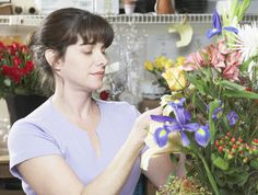 Follow these tips from Fran Sorin on creating jaw-droppingly beautiful arrangements of flowers, just like a professional florist.