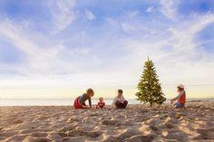 How to Take Good Beach Photos Beach Christmas Pictures, Family Beach Pictures, Christmas Photos, Family Pics, Christmas Mini Sessions, Family Christmas Cards, Aussie Christmas, Christmas Postcards, Christmas Goodies