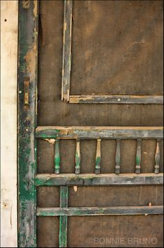I know this old screen door is not going to be loved, but i see stories in it.  Well I love it..and would use it in a garden, patio, bedroom etc with some touch up and tada!  I think it's beautiful- ljust imagine if it could talk & tell stories