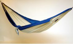 The Easy Traveller is made of all parachute   nylon cloth construction for durability and comfort, making it the perfect   hammock for backpacking/camping, and includes a drawstring carrying/storage   pouch.