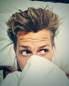 James McVey from The Vamps Sweet Guys, Cute Guys, Bae, Will Simpson, James Arthur, Bradley Simpson, British Boys, One Night Stands, Pop Bands