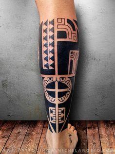 Mezza gamba marchesana - Un altro/a mezza gamba, polpaccio tatuato/a da Michelangelo - Stile: blackwork, stile marchesano - Tattooing by Michelangelo - Milano, Italia