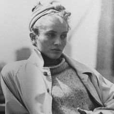Style Inspiration | DKNY 1994 by Peter Lindbergh. This is giving me all the fall feels. After coming across this photo I've been really trying to incorporate knotted headbands into my fall wardrobe and I must say I'm really into it.