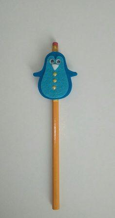 matita rivestita con nastro,pinguino in feltro e pietre.Per info contattatemi via email rdlmcl@hotmail.it