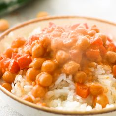Coconut curry garbanzo beans Coconut curry garbanzo beans is a flavorful healthy recipe. This chickpea dish is vegetarian, vegan, gluten-free, and tastes amazing served over rice! Garbanzo Bean Recipes, Cooking Garbanzo Beans, Chickpea Recipes, Beans Recipes, Indian Food Recipes, Asian Recipes, Gourmet Recipes, Cooking Recipes, Healthy Recipes