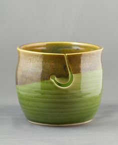 beautiful yarn bowls.