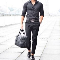 Black Essentials #hoodsfashion ➖➖➖➖➖➖➖➖➖➖➖➖➖➖➖➖ Follow @dapperschannel for more!