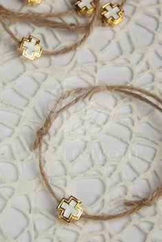 Μαρτυρικά βραχιόλια για βάπτιση με σχοινί και σταυρουδάκι χρυσό - λευκό