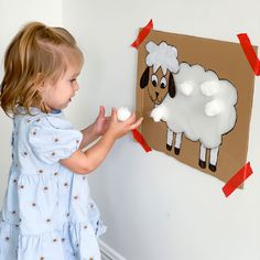 Art Activities For Toddlers, Montessori Activities, Infant Activities, Craft Activities, Preschool Crafts, Farm Animal Crafts, Sheep Crafts, Farm Crafts, Easy Toddler Crafts